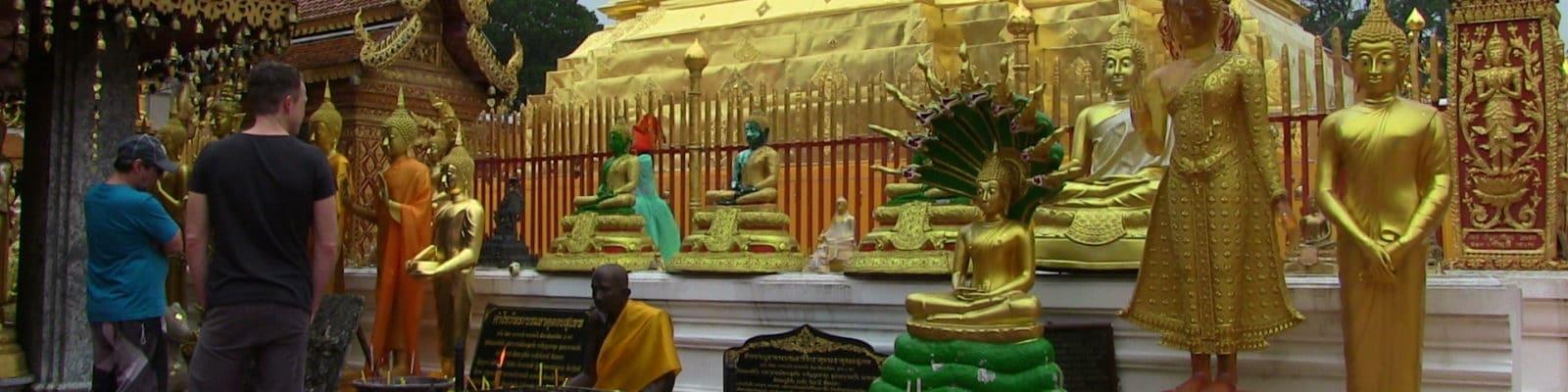 En Thaïlande, quelques petites règles de courtoisie seront les bienvenues. Ces quelques conseils de bonnes attitudes et de respect envers les thaïs vous seront très utiles au pays du sourire.