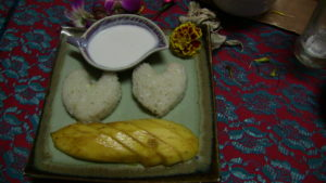 Le riz gluant sucré à la mangue est un dessert simple et facile à réaliser pour satisfaire agréablement vos invités