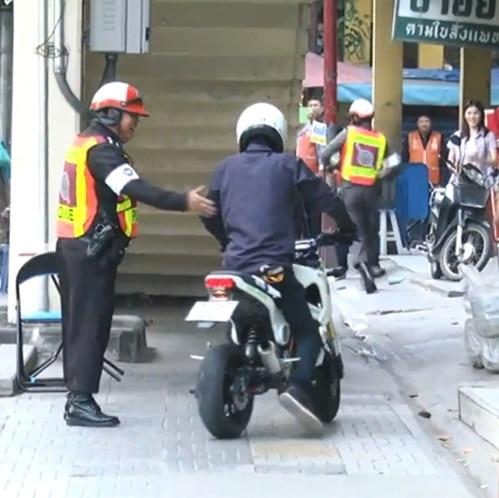 conduire une moto ou un scooter en thailande