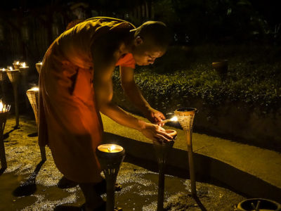 Célébration du Visakha Bucha Day en Thailande