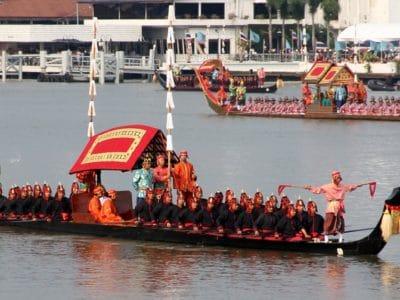 procession des barges royales à Bangkok 2019
