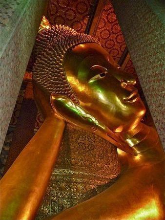Ce qu'enseigne le Bouddha, c'est la voie du milieu