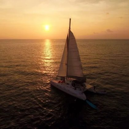 Coral & Racha Island Sunset en catamaran