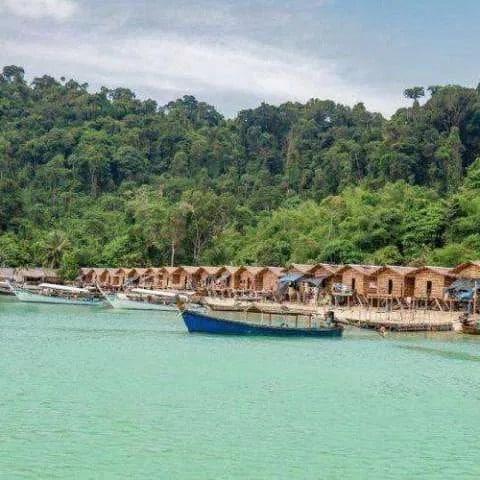 Excursion d'une journée sur l'île de Surin en hors-bord