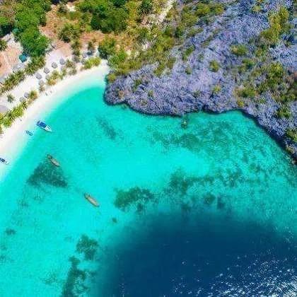 L'île de Mai Ton en hors-bord