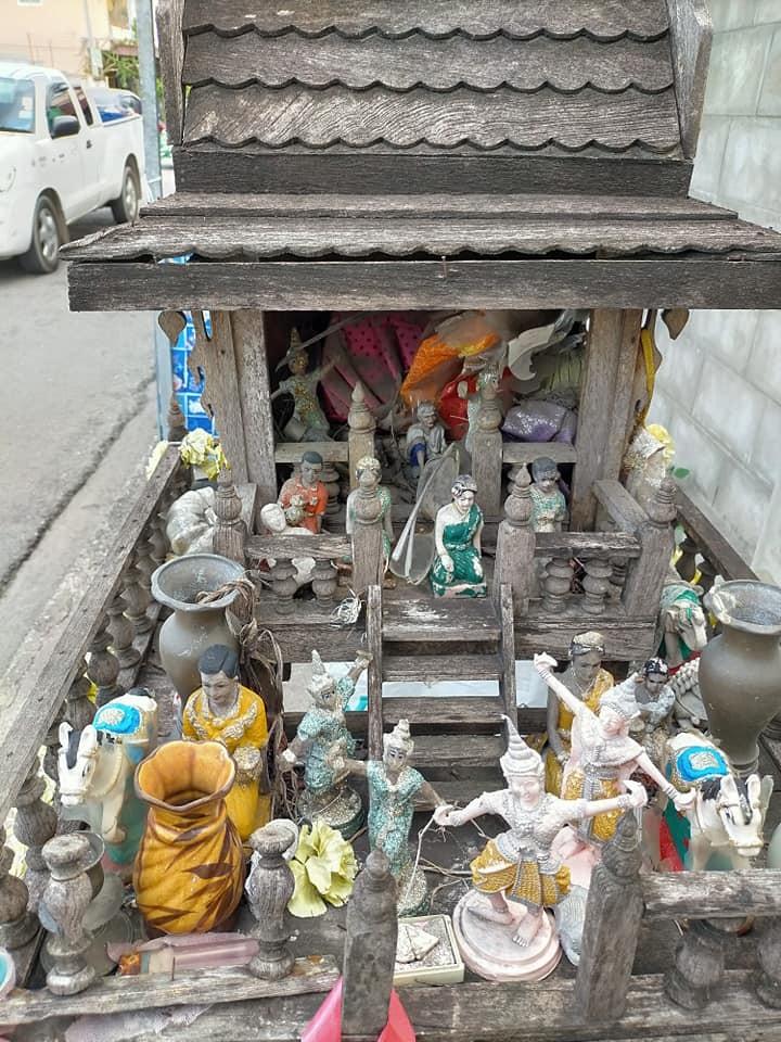 La Maison des esprits en Thaïlande San Phra Phum 1